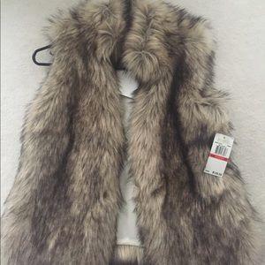 BNWT Michael Michael Kors faux fur vest. Size XS.